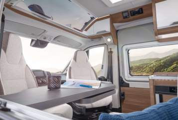 Hire a motorhome in Haar from private owners| Knaus BOXLIFE600ME