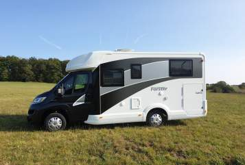 Hire a motorhome in Wenden from private owners| Forster Oskar