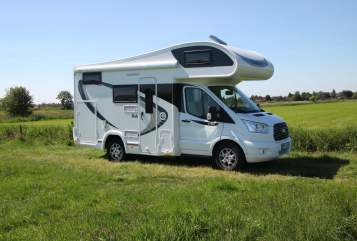 Hire a motorhome in Hinte from private owners| Ford Flash Gordon