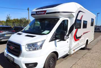 Hire a motorhome in Ainring from private owners| Challenger  Bella de Luxe
