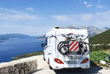 Hire a motorhome in Karlsruhe from private owners| Knaus Bulivi