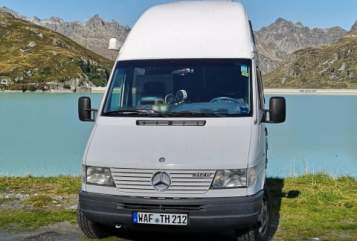 Hire a motorhome in Bochum from private owners| Mercedes Sprinter Steffi