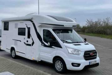 Hire a motorhome in Radolfzell am Bodensee from private owners| Challenger Auszeit