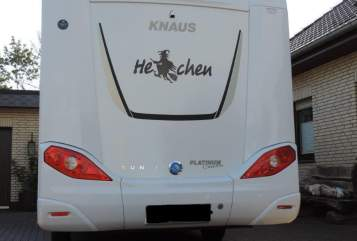 Hire a motorhome in Thedinghausen from private owners| Knaus Hexchen