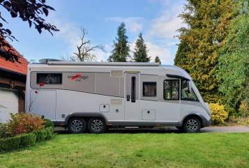 Hire a motorhome in Hannover from private owners| Carthago Quo Vadis