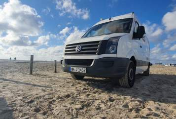 Hire a motorhome in Hamburg from private owners| VW VW Crafter