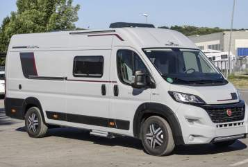 Hire a motorhome in Kaufbeuren from private owners| Roller Team Duo Lang