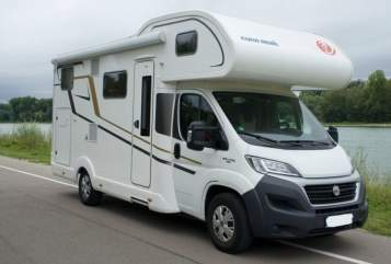 Hire a motorhome in Neuhausen auf den Fildern from private owners| Euramobil Activa 690 HB