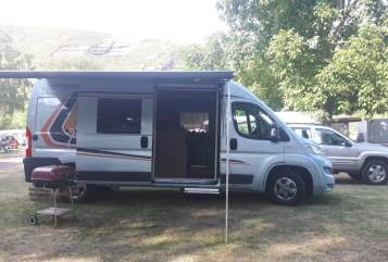 Hire a motorhome in Limburg an der Lahn from private owners| Weinsberg Jonas