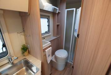Hire a motorhome in Achim from private owners| Ahorn #Womotion 6