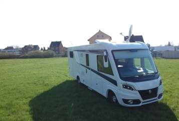 Hire a motorhome in Limburg an der Lahn from private owners| Knaus Benno