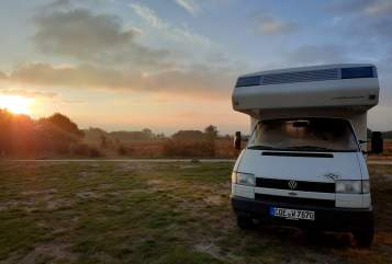 Hire a motorhome in Kiel from private owners| VW Snoopy