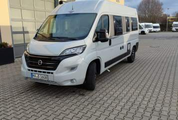 Hire a motorhome in Mannheim from private owners  Carado Bruno All-In