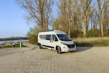 Hire a motorhome in Mannheim from private owners| Carado Bruno All-In