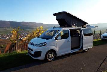 Hire a motorhome in Weinstadt from private owners| Pössl Bester Camper