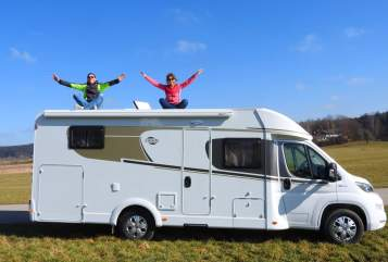 Hire a motorhome in Edling from private owners| HYMER CARADO Carado T448