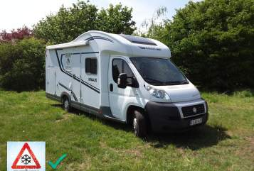 Hire a motorhome in Harsewinkel from private owners| Knaus Wave