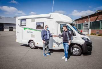 Hire a motorhome in Düsseldorf from private owners| Forster T 659 EB