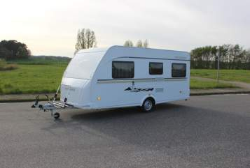 Hire a motorhome in Tessin from private owners| Weinsberg Weinsberg FU450