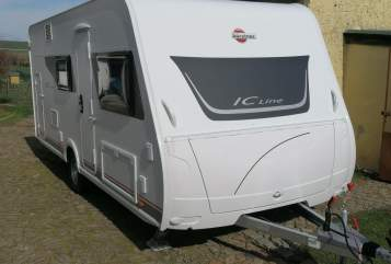 Hire a motorhome in Niedere Börde from private owners| Bürstner  Fun-Caravan