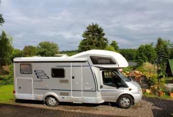 Hire a motorhome in Rheinsberg from private owners| Hymer Camp Yoda
