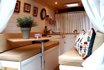 Hire a motorhome in Leipzig from private owners  Renault Fatima