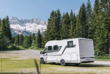 Hire a motorhome in Erfurt from private owners| Adria *URANUS*-AUTARK