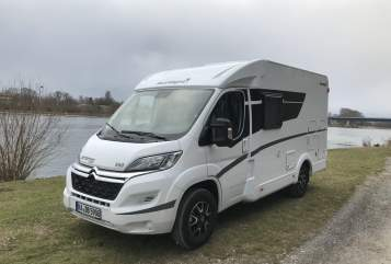 Hire a motorhome in Ubstadt-Weiher from private owners| Sunlight Bertha V-60