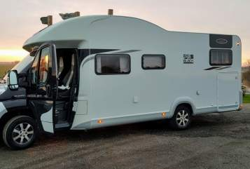 Hire a motorhome in Hattstedt from private owners  LMC Küstenmobil