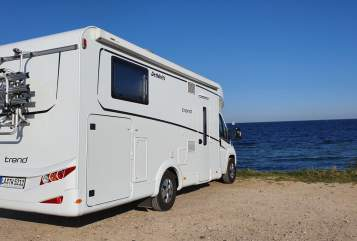 Hire a motorhome in Adlkofen from private owners  Dethleffs Dethleffs T7057