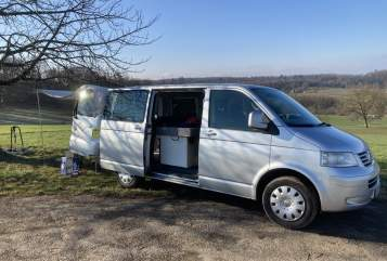 Hire a motorhome in Lörrach from private owners  VW T5 Sisu