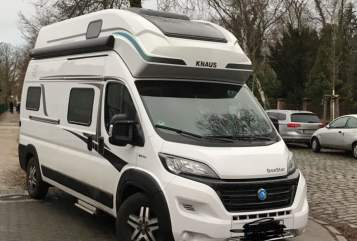 Hire a motorhome in Büdelsdorf from private owners| Knaus NiNi