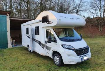 Hire a motorhome in Hamburg from private owners| XGO Joki