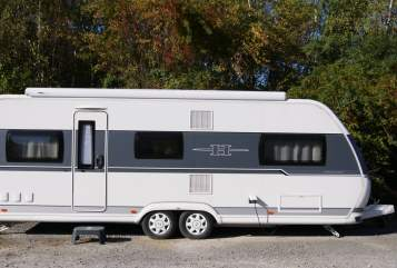Hire a motorhome in Kürten from private owners| Hobby 650 UMFe Prestige Lucky Strike