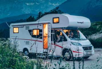 Hire a motorhome in Braak from private owners| Sunlight  Sunny Sunlight