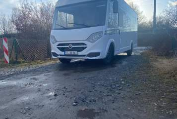 Hire a motorhome in Potsdam from private owners  Carado  SVENS