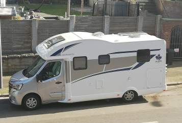 Hire a motorhome in Bochum from private owners| Ahorn Borni's Mobil