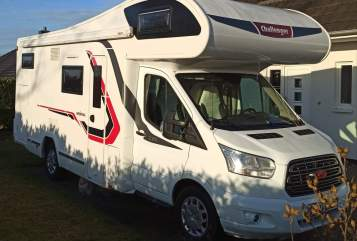 Hire a motorhome in Ratzeburg from private owners| Challenger Womo