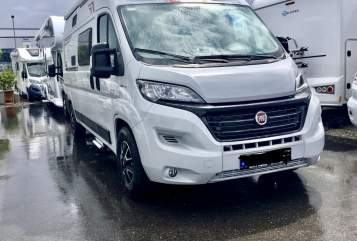 Hire a motorhome in Schneeberg from private owners| Challenger Kurt