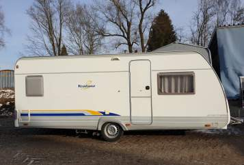 Hire a motorhome in Weingarten from private owners  Bürstner Campi