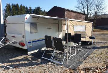Hire a motorhome in Weingarten from private owners| Bürstner Campi