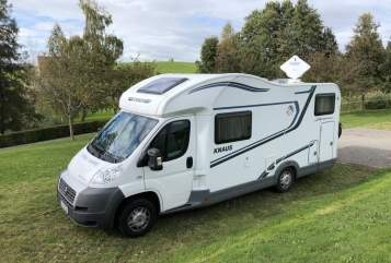 Hire a motorhome in Laatzen from private owners| Knaus Knausi