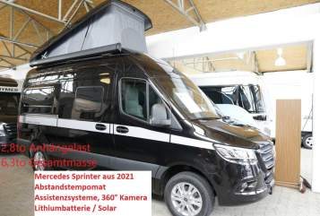 Hire a motorhome in Oberhausen from private owners| Hymer Mercedes Sprinter EdelGrandCanyon