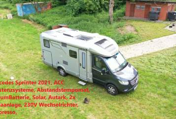 Hire a motorhome in Oberhausen from private owners  Hymer Mercedes Sprinter Edel Hymer580