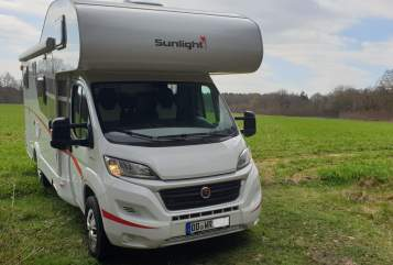 Hire a motorhome in Hamburg from private owners| Sunlight Sunlight A 70/2