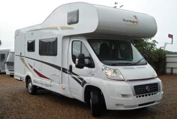 Hire a motorhome in Leun from private owners| Sunlight Family and Friends