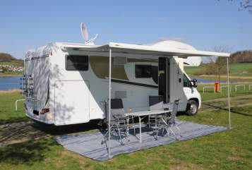 Hire a motorhome in Falkenstein/Vogtland from private owners| Carado Campingski-Hotel