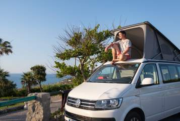 Hire a motorhome in Adelheidsdorf from private owners| VW Sven California
