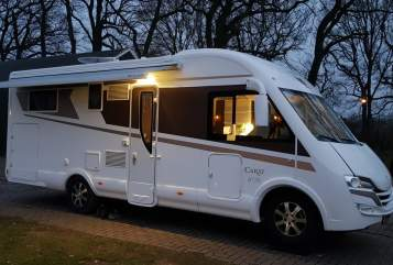 Hire a motorhome in Helmond from private owners| McLouis Pure luxe!