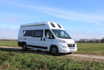 Hire a motorhome in Düsseldorf from private owners| Dreamer Traumwanderer